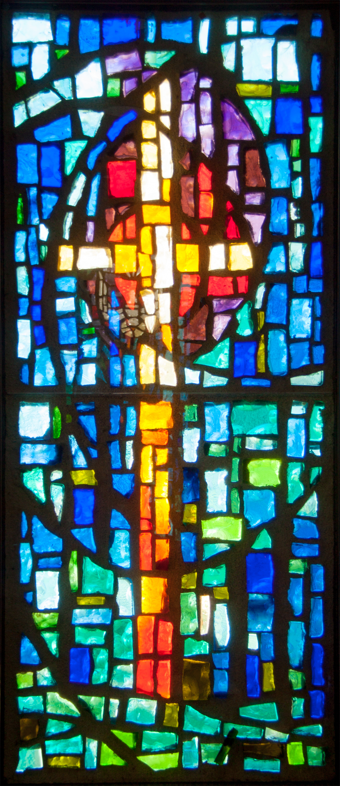 holycross-stainedglass1_cropped