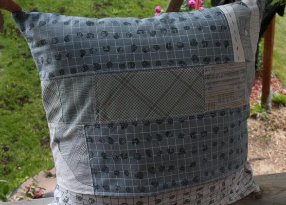 That's Sew Venice Pug Pillow back - The Little Bird Designs