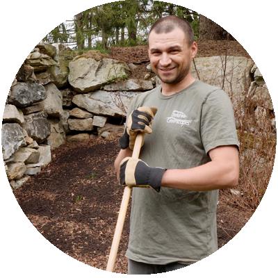 Elliot, Berkshire Greenscapes Team Member