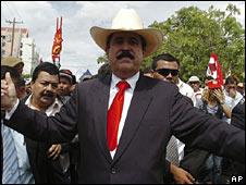 Zelaya: Thanks El Presidente Obama!