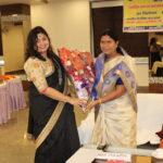 माननीय विधायिका इटावा श्रीमती सरिता भदौरिया के साथ कवयित्री ऋचा राय