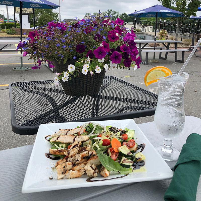 Outdoor Dining at Skyline Restaurant