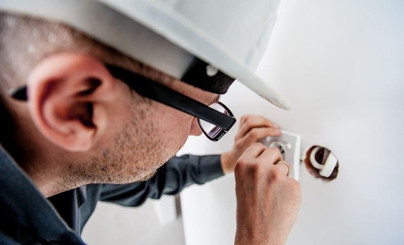 7 Work habits of an electrician
