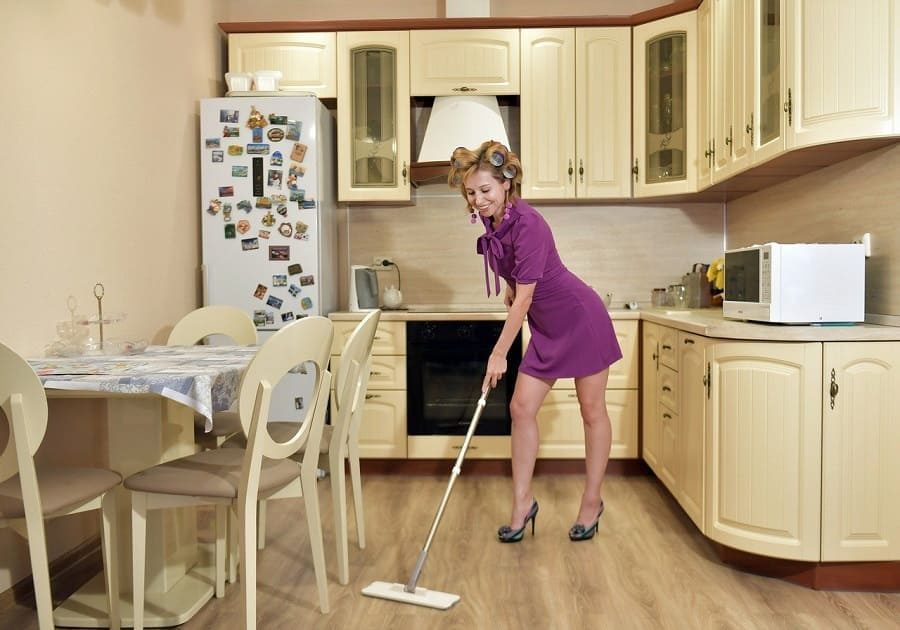 Importance of Cleaning - 10 minutes for mom