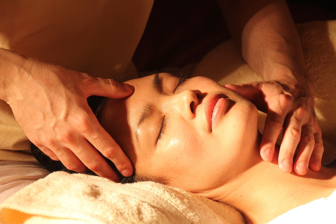 face massage - 10 minutes for mom