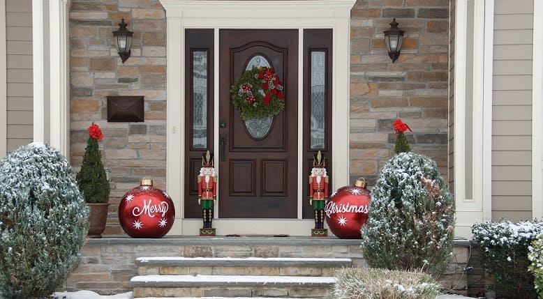 Decorate your entrance door