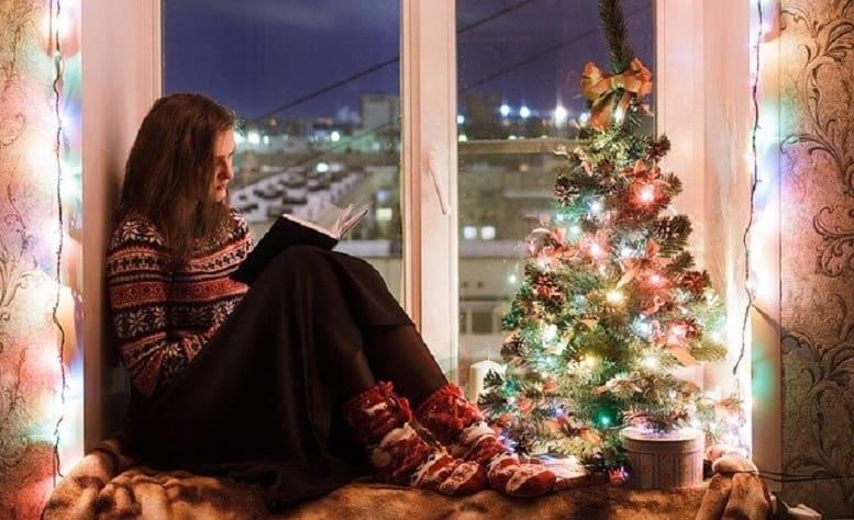 Walmart Christmas Trees - 10 minutes for mom