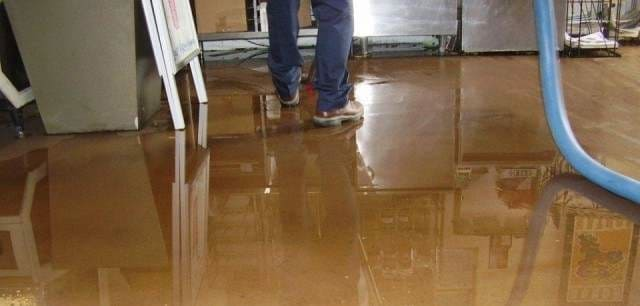 What does a Water Damage Restoration Contractor do