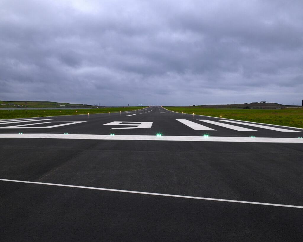 Runway Shetland 02