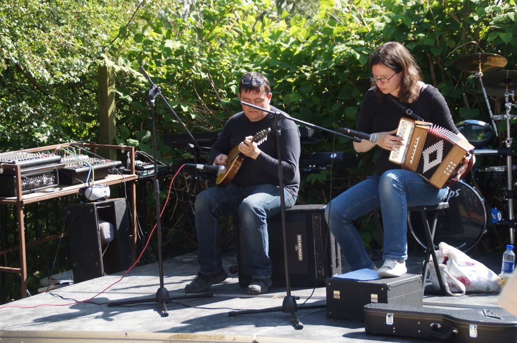 Folk Musicians Enjoy the Sunshine