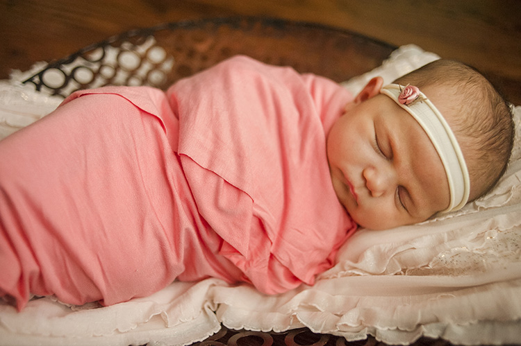 professional baby photos: loudoun county newborn