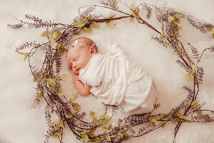 newborn photographer: baby photo