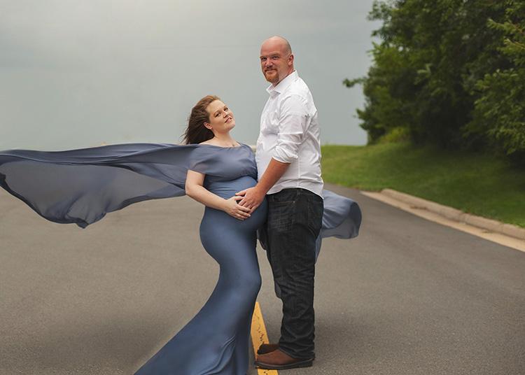 blue maternity dress for maternity photos
