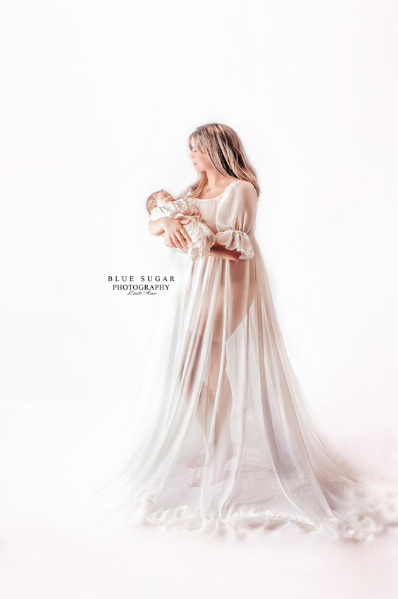 maternity and newborn photographer