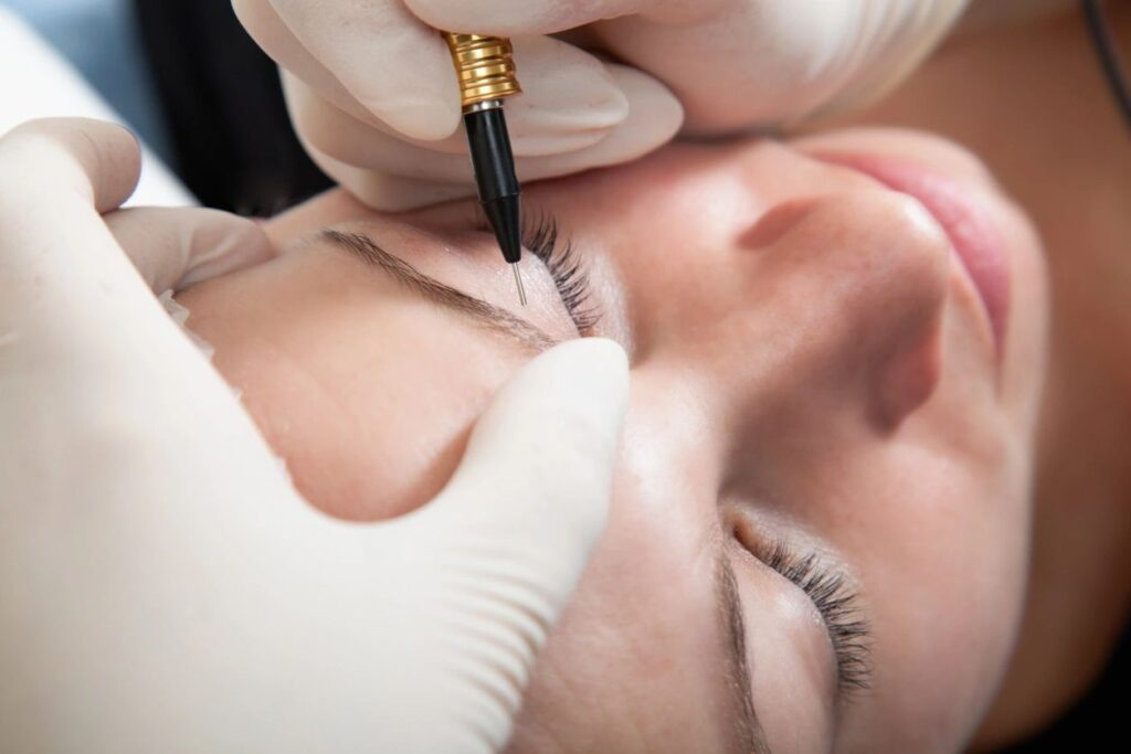 Louisville Beauty Academy - 3 days intense training program - Microblading