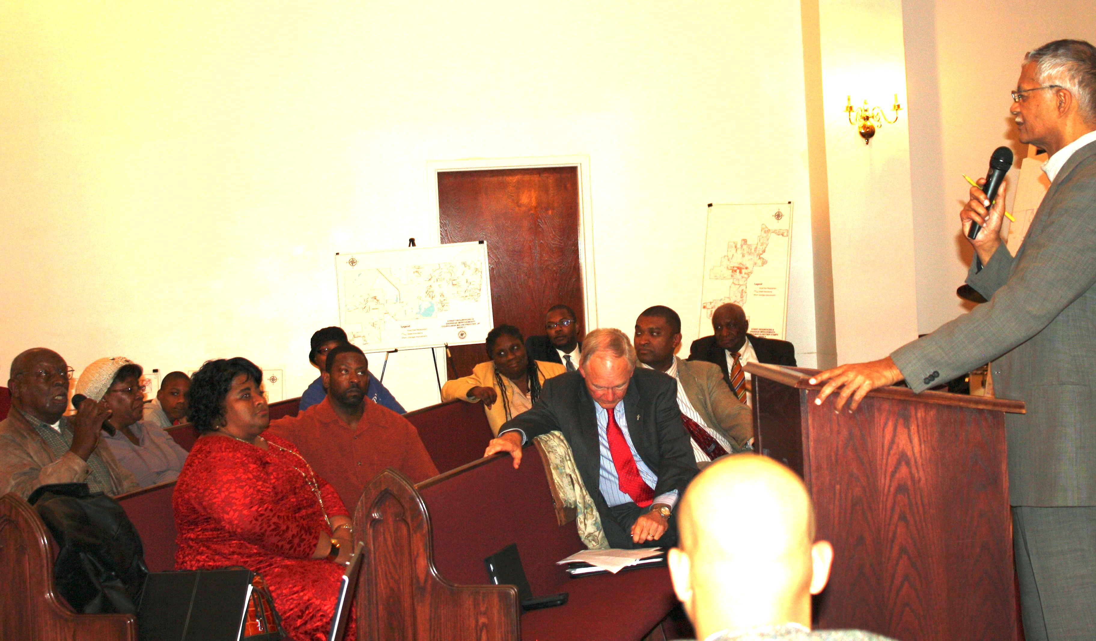Mayor Lumumba speaking at the Dec. 23 Wards 3 and 4 townhall meeting