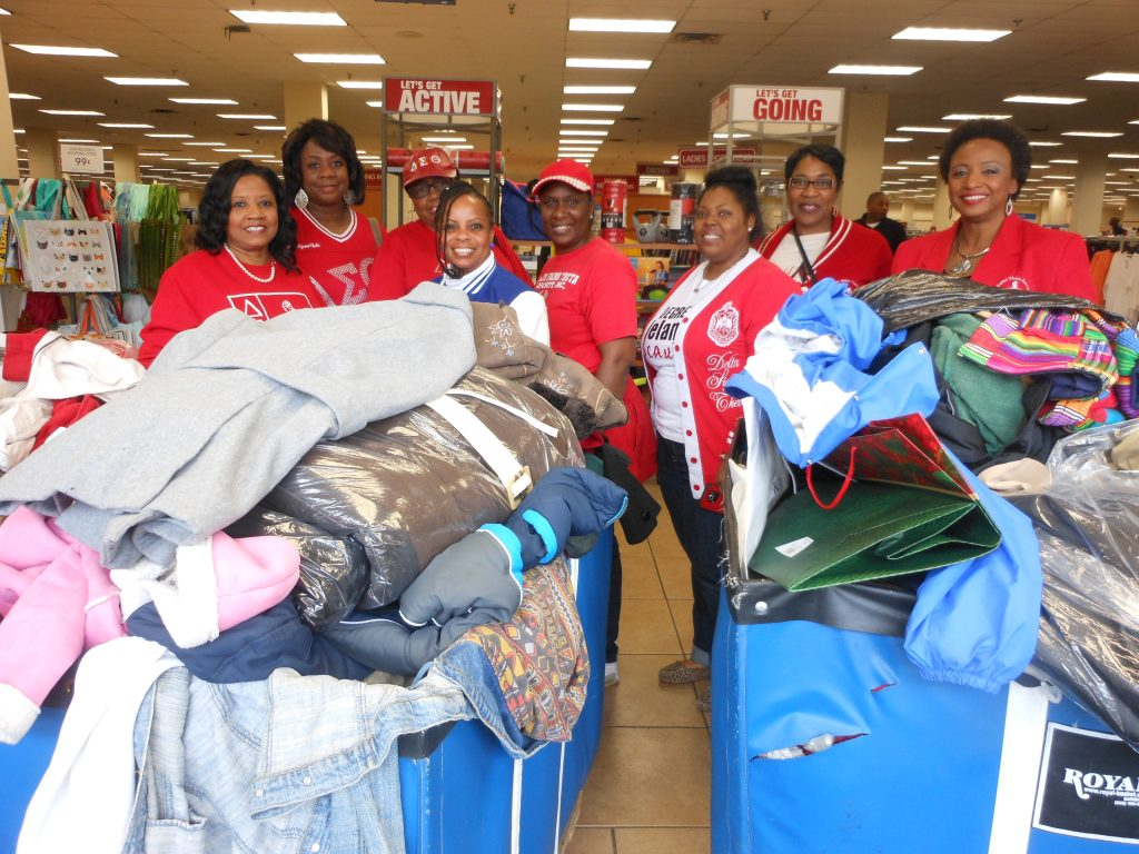 Members of Delta Sigma Theta Sorority, Inc. and Zeta Phi Beta Sorority, Inc. joined other members of the Mississippi Panhellenic Council in a coat donation drive for Dr. Martin Luther King Jr. Day.
