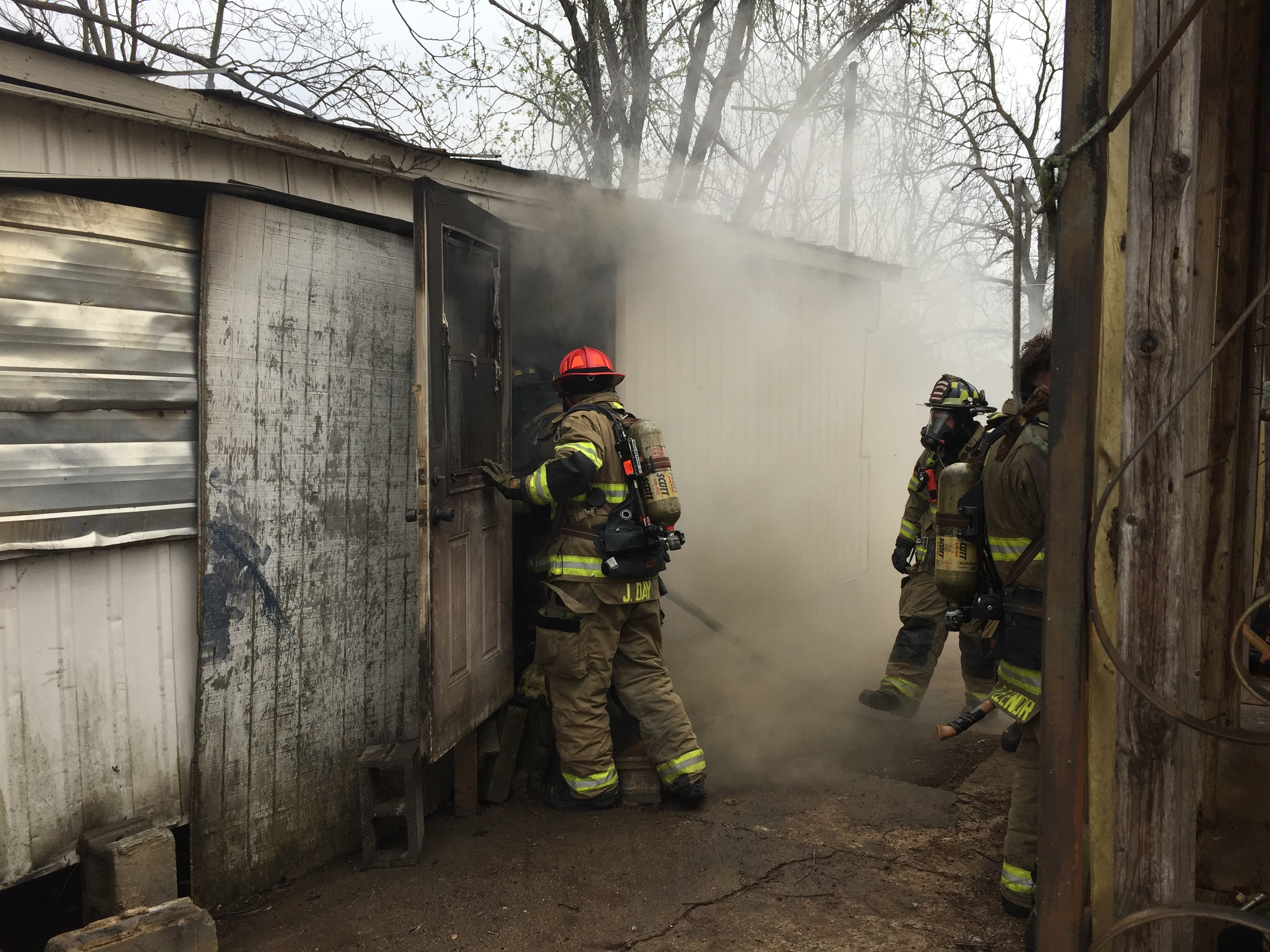 Photo of MFRD Responds to Fire at 406 Douglas Avenue