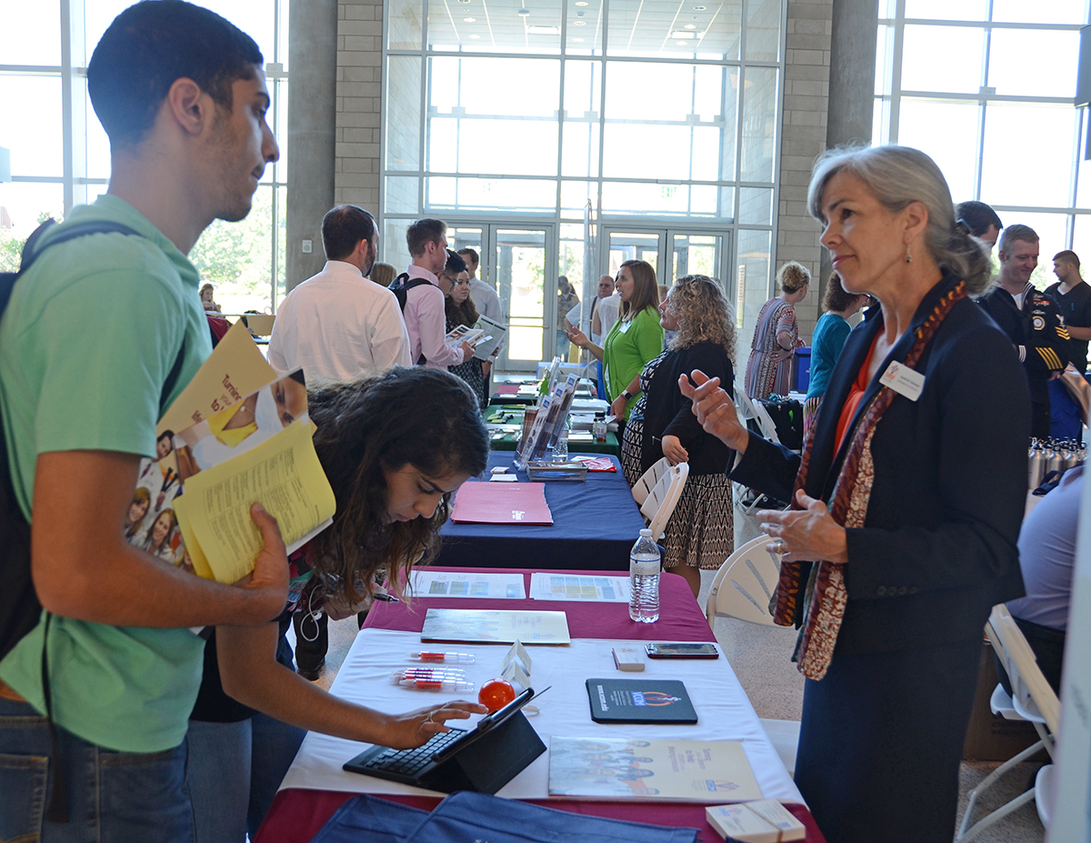 Photo of 30-plus Organizations Court MTSU Students at Chemistry Career Fair