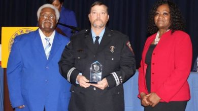 Photo of Firefighter, dispatcher receive life-saver award
