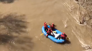 Two teens rescued after kayak overturns in Stones River