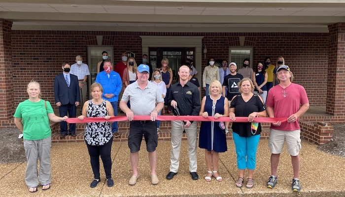 Ribbon Cutting for Horizon Spinal Care