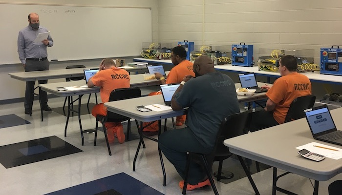 Innovative Program Prepares Inmates for Release:Reentry into Community