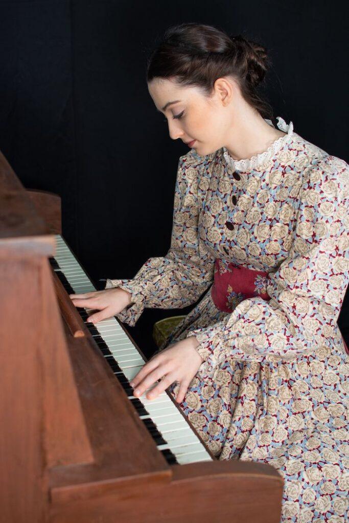 Grace Montague as Beth March