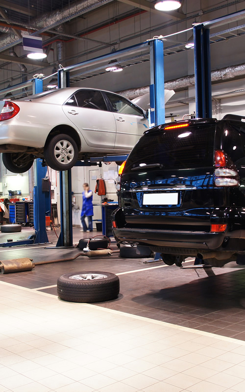 Repair shop with garage insurance policy