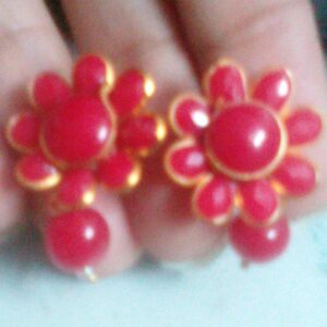 Red pachi stud with hanging