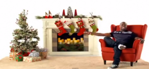 real vs. fake Christmas tree, Kevin Hart, Verizon, #ihartholidays, @kevinhart4real, @verizon, Verizon Holiday, Verizon Christmas