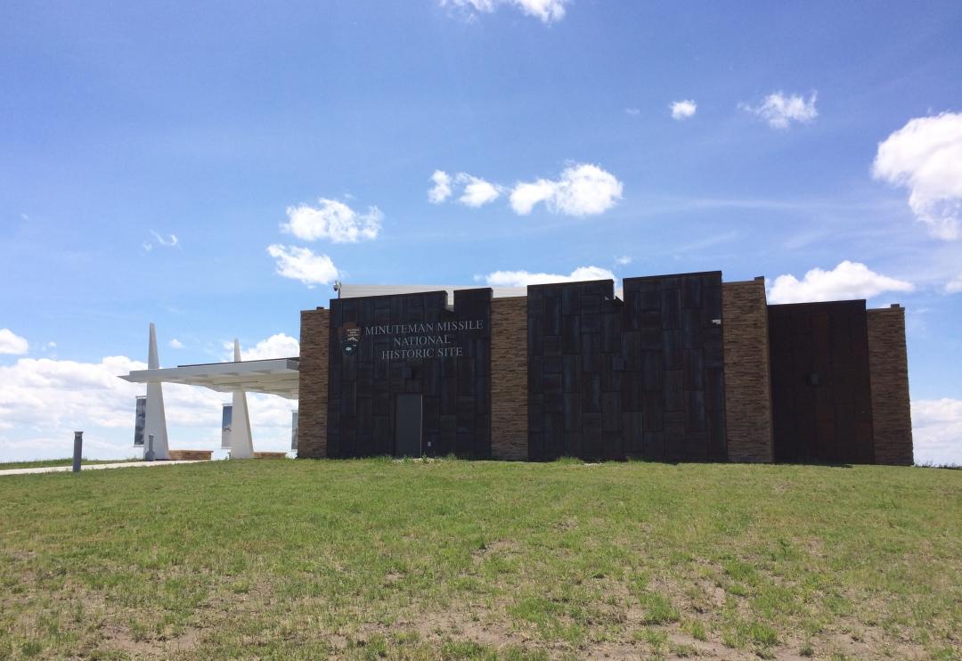 I-90 West South Dakota Roadside Attractions20160601-15