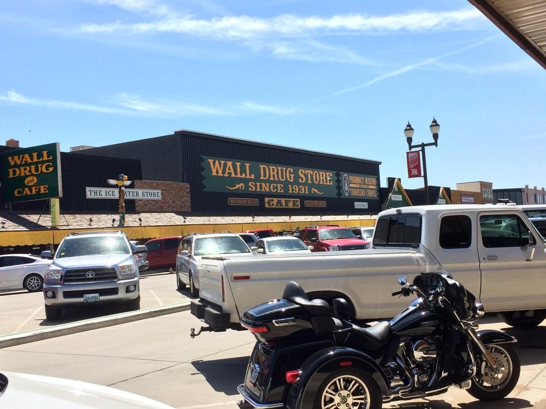 I-90 West South Dakota Roadside Attractions20160602-14