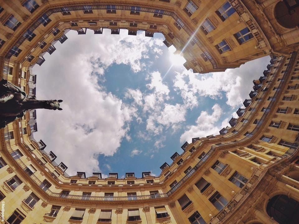 Sky above the circle of buildings