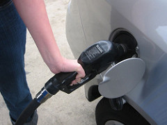 Gas Prices Continue To Inch Downward