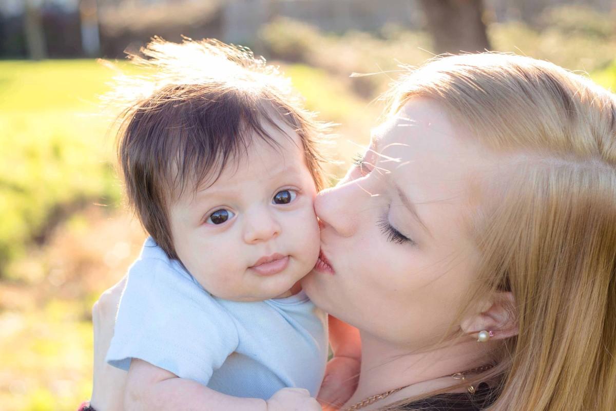 medford, oregon, photography, portrait, infant, newborn, baby, mommy, family