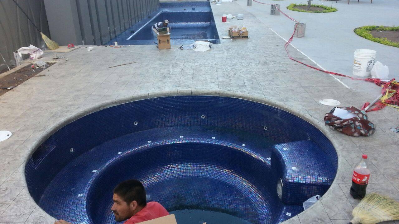Construccion de Jacuzzi Holiday Inn – hermosillo