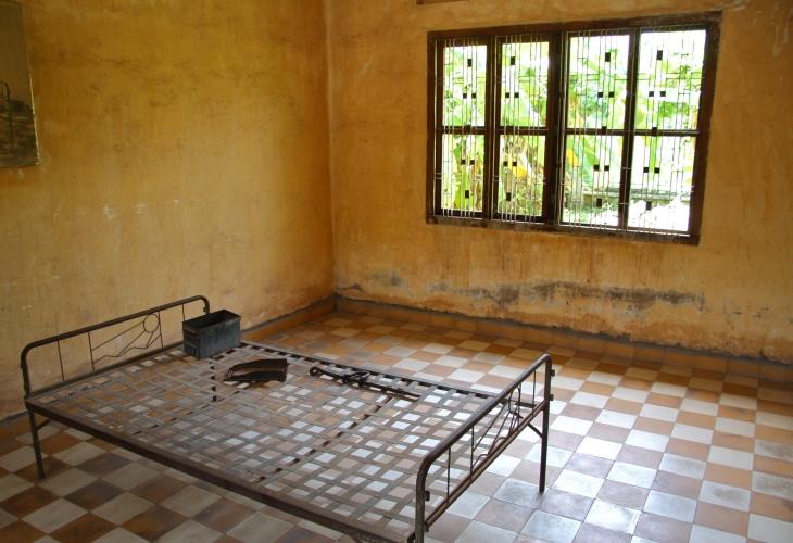 Phnom Penh – City Tour including Killing Field