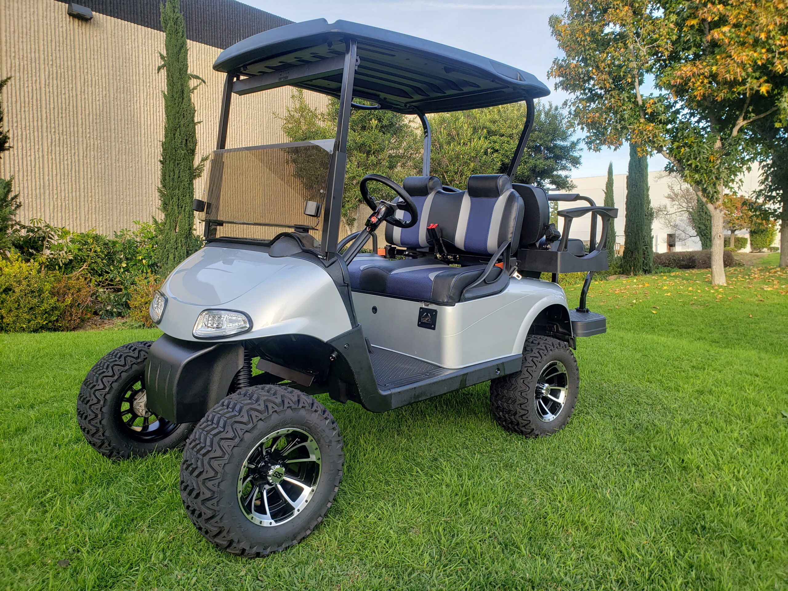 Ezgo Rxv Platinum Lifted 4 Passenger Golf Cart – Upgraded Seats
