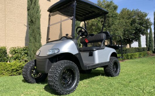 EZGO ELECTRIC RXV LIFTED 4 PASS GOLF CART – SILVER, #B31