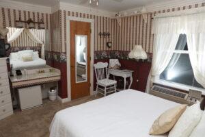 Victorian Room   Woodstock Inn B&B