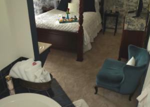 English Spa Suite | Woodstock Inn B&B