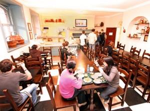 Salon cafeteria
