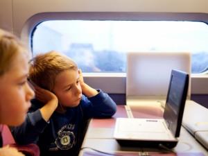 Consejos para viajar en tren con niños - TGV