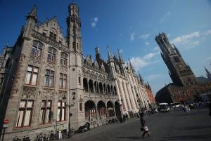Palacio Provincial y Campanario (Belfort) en Grote Markt