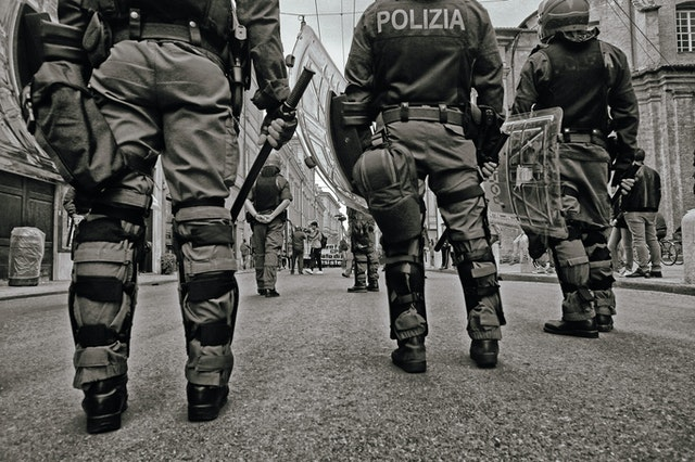 Are Social Workers Better Equipped Than Police to Handle Mental Health Crises?