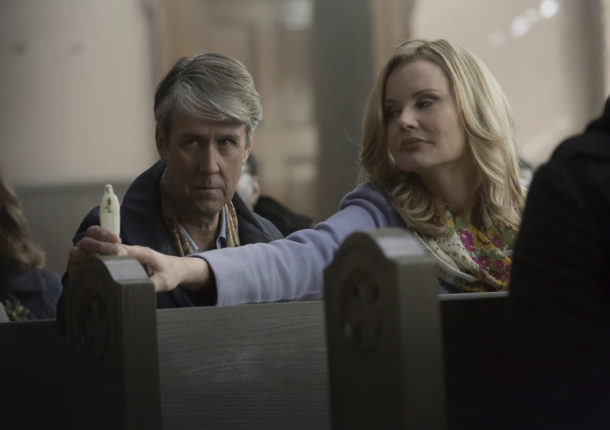THE EXORCIST: L-R: Alan Ruck and Geena Davis in THE EXORCIST premiering Friday, Sept. 23 (9:00-10:00 PM ET/PT) on FOX. ©2016 Fox Broadcasting Co. Cr: Chuck Hodes/FOX