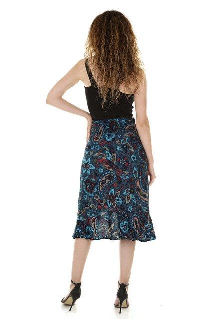 Opt for narrow skirt