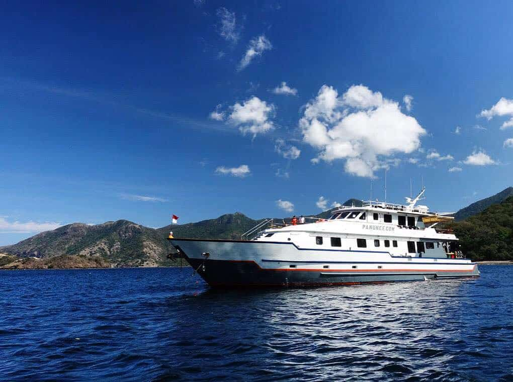 Panunee Yacht Indonesia Dive Liveaboard