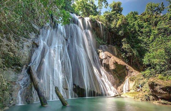 batanta waterfall hike, arefi village, raja ampat, west papua, indonesia